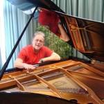 Halász István zongorahangoló